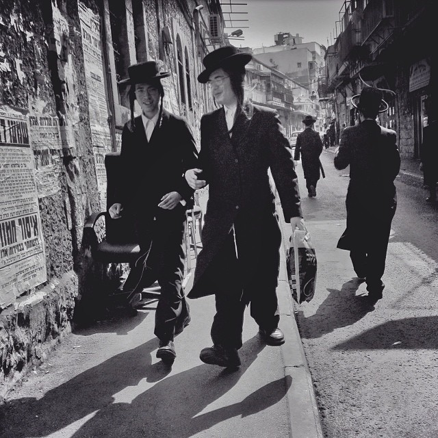 Hasidic Hats: IPhoneography