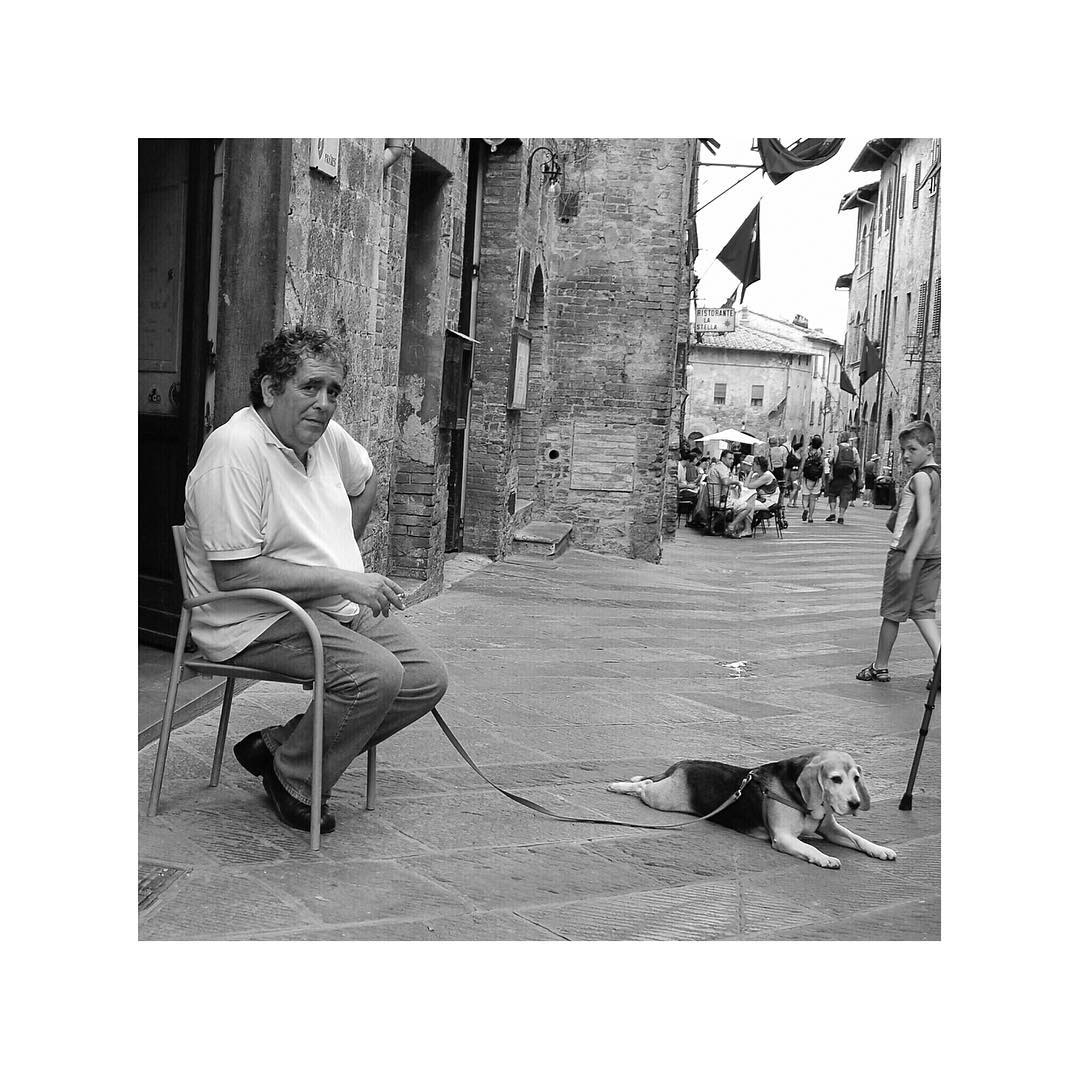 Apparently, I have many dog photos from Italy. This one, taken in San Gimignano, 2007.