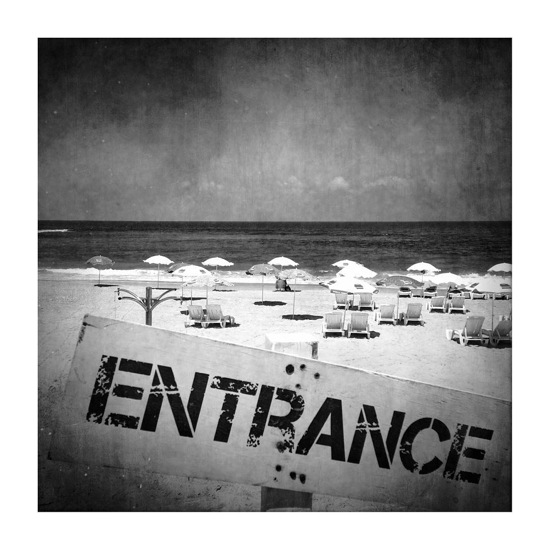 Entrance. No mistake about that ⛱